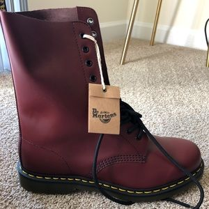 Doc Martens! NEW! Unused! Cherry Red Air Wair